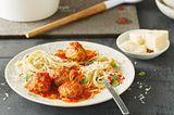 Meatballs in Tomaten-Soße mit Spaghetti