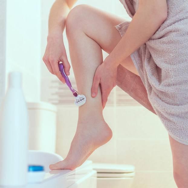 Beine rasieren – ein Muss im Job?