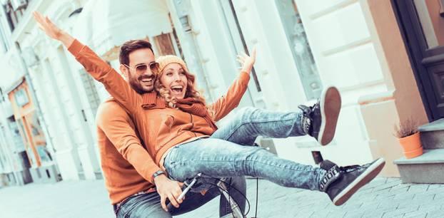 Horoskop: Daran erkennst du, dass du in einer Beziehung mit einem Zwilling bist