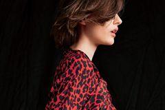 Trendfarben Herbst/Winter 2019: Diese 3 sind unschlagbar: Leoparden-Bluse rot-schwarz