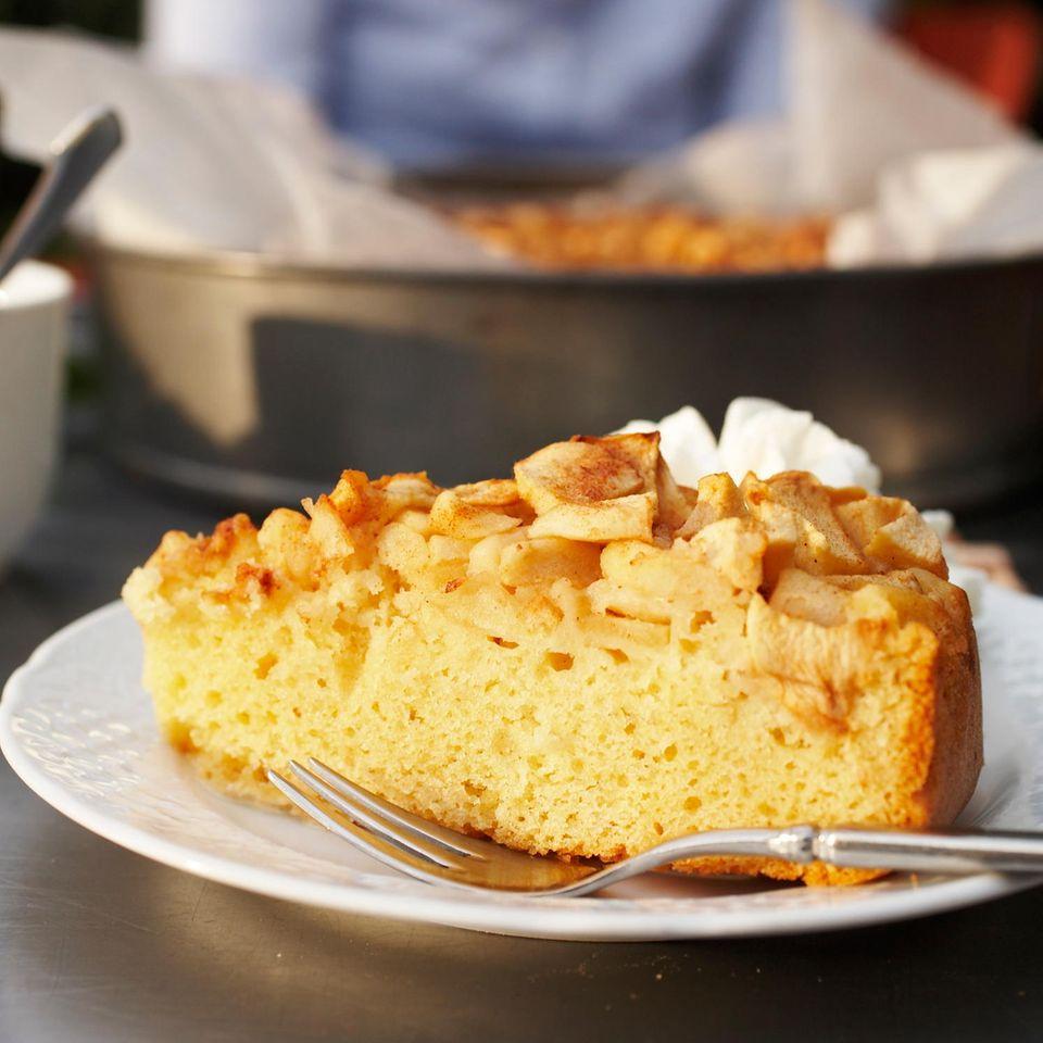 Apfelkuchen mit Vanille-Eis