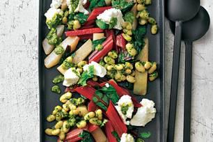 Bohnen-Antipasti mit Ricotta und Pesto