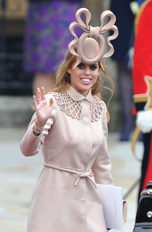 Skandalkleider der Royals: Prinzessin Beatrice mit Hut