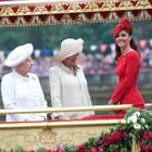 Herzogin Kate mit Queen Elizabeth und Camilla Parker Bowles