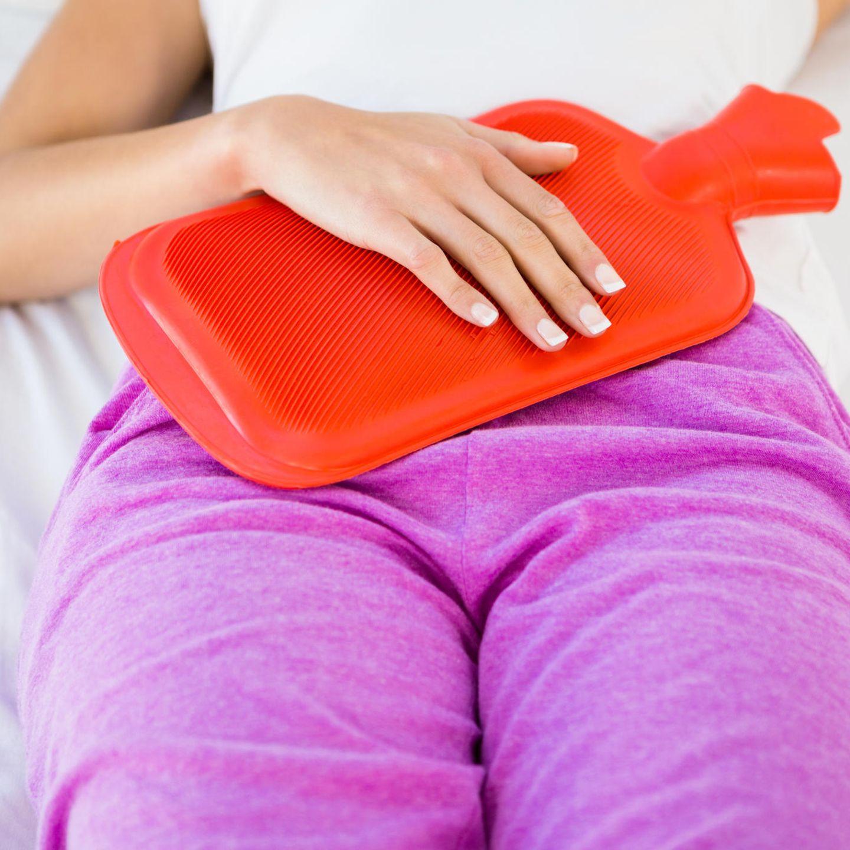 Bauch schmerzen seite unterm rechte Schmerzen unterer
