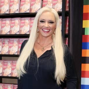 News im Video: Daniela Katzenberger – Lustige Busenshow im Whirlpool