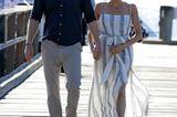 Schuhe der Royals: Meghan Markle mit Prinz William Hand in Hand