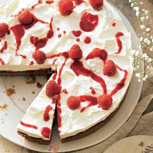Sahnetorte: Himbeer-Sahne-Torte