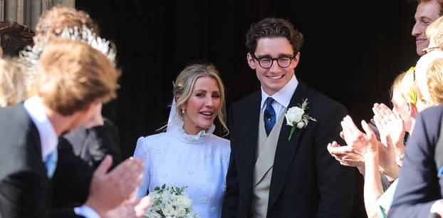 Brautkleider der Stars: Ellie Goulding mit Caspar Jopling mit Hochzeitsgästen