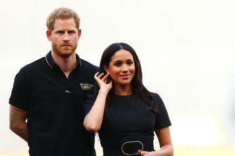 Freunde sind geschockt: Prinz Harry nimmt wegen Meghan Schmerzen auf sich