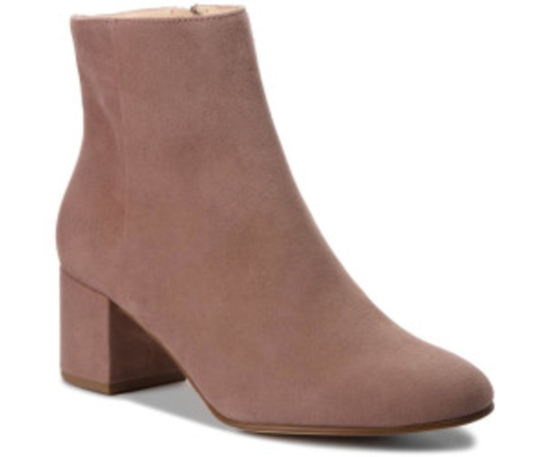 1 Style, 2 Looks: Boots aus Wildleder