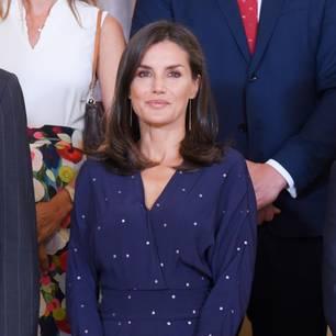Royale Eleganz: Letizia von Spanien bezaubert in ihrem 150€-Kleid