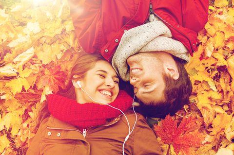 Diese Sternzeichen treffen im Herbst ihre große Liebe