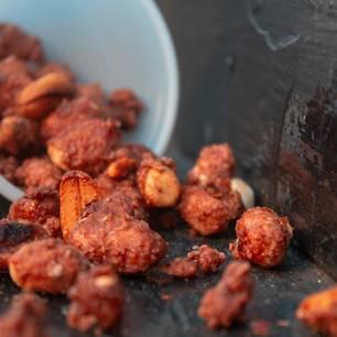 Gebrannte Erdnüsse: karamellisierte Erdnüsse
