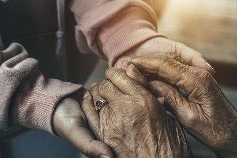 95-jährige Zwillinge teilen ihr Lebensgeheimnis
