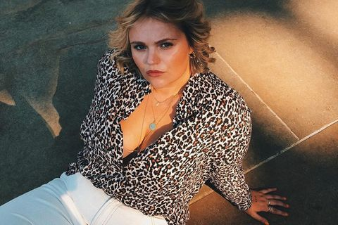 Model Charlotte Kuhrt verrät: Diese 3 Teile braucht jede Frau im Kleiderschrank!