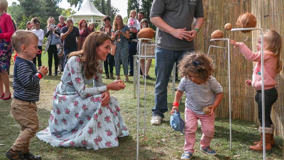 Herzogin Catherine: Wie dieser kleine Junge ihr die kalte Schulter zeigt