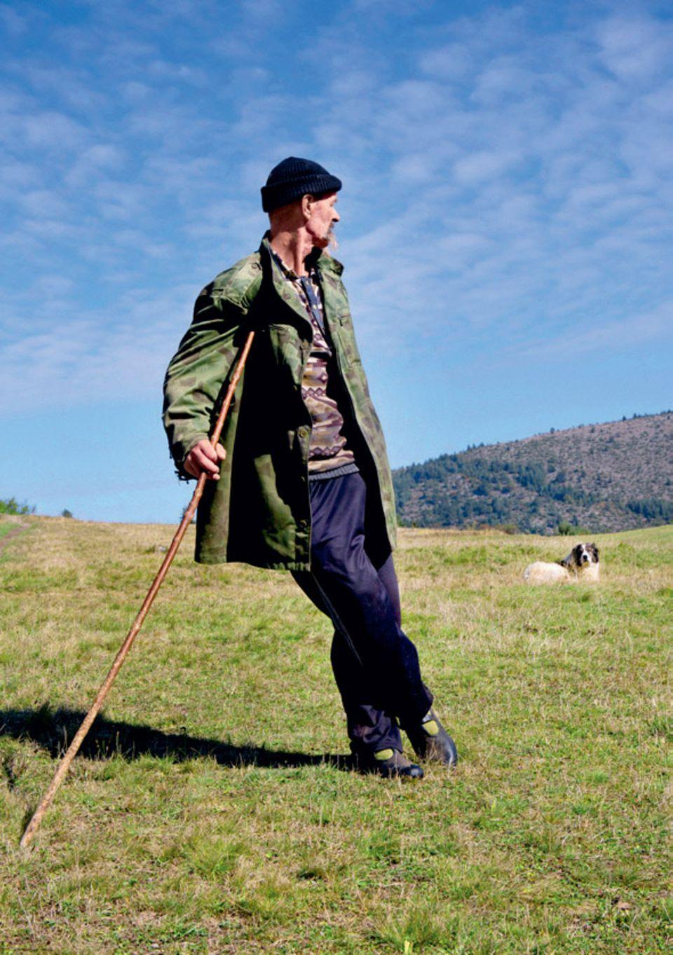 Bulgarien Urlaub: Die besten Tipps: Hirte mit Hund