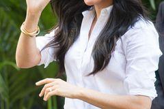 Meghan Markle: Meghan mit weißer Bluse