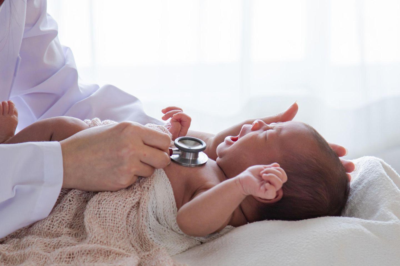 Babys ohne Hände geboren