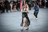 The All Sizes Catwalk: Frau im Body