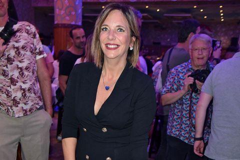 Danni Büchner zeigt sich in Feierlaune