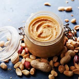Erdnussbutter selber machen: Erdnussbutter im Glas