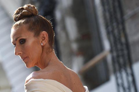 Gewagtes Outfit: Céline Dion überrascht im Gothic-Look