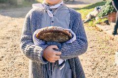 Ausflug nach Bullerbü: Mädchen in Strickmode