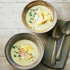 Zucchinicremesuppe mit Spiegelei-Streifen
