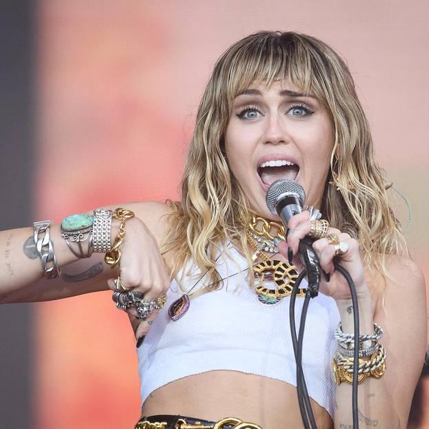 Promi-News: Miley Cyrus - Schock-Foto versetzt Fans in Angst