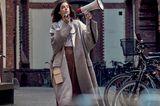 Marie Nasemann engagiert sich für nachhaltige Mode: Marie Nasemann in beigem Mantel