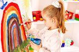 Malen mit Kindern: bemalte Leinwand