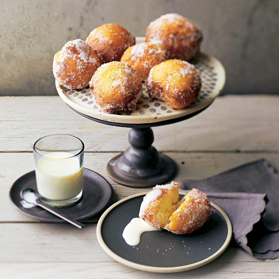 Frittierte Vanille-Quarkbällchen