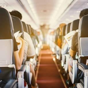 Pony im Flugzeug: Foto von Gang im Flugzeug