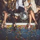 Horoskop: Freunde bei einer Party