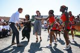 Herzogin Meghan + Prinz Harry in Afrika: Meghan Markle und Prinz Harry tanzen