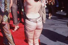 Promikleider: Rose McGowan halbnackt auf dem roten Teppich