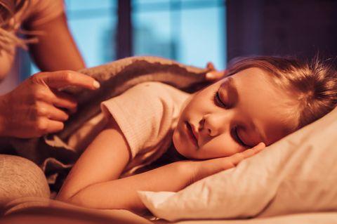 Kind will nicht schlafen? Diese Mutter hat einen grandiosen Trick!