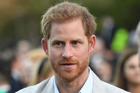 Prinz Harry weist öffentlich eine Reporterin zurecht