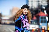 Winter-Frisuren: Frau mit Turban auf der Strasse