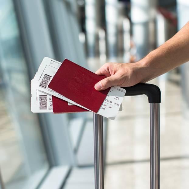 Flugticket: Flugticket und Reisepass