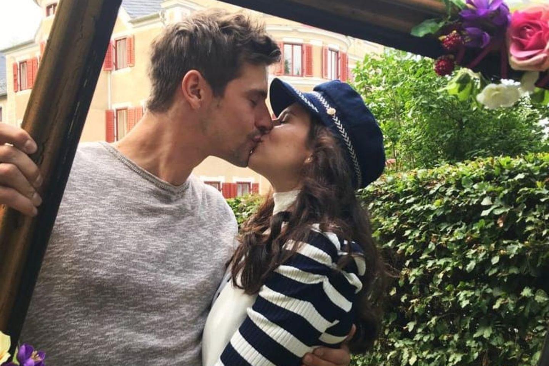 """""""Sturm der Liebe"""": Fans rätseln - sind Sandro Kirtzel und Helen Barke ein Paar?"""
