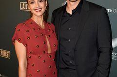 Geschwister der Stars: Jessica Alba neben ihrem Bruder