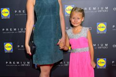 Geschwister der Stars: Sila Sahin posiert mit ihrer Schwester