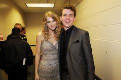 Geschwister der Stars: Taylor Swift neben ihrem Bruder