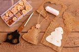 Bastelideen Weihnachten: Weihnachtsanhänger aus Jutestoff