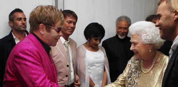 Elton John undQueen Elizabeth