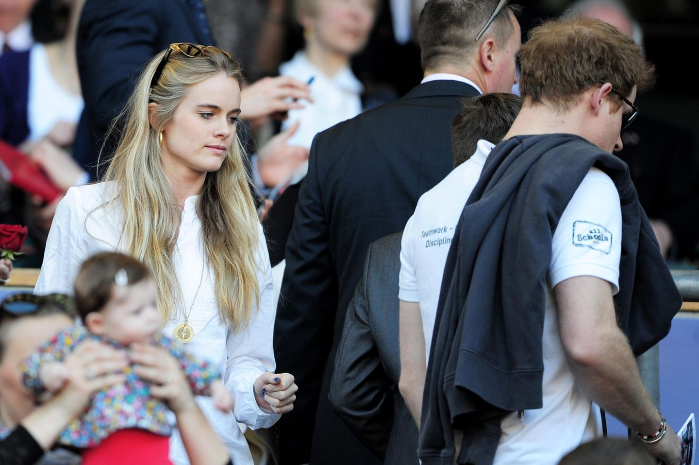 Prinz Harrys Ex-Freundinnen: Cressida Bonas mit Prinz Harry im Publikum