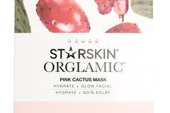 Das Produkt: Die Orglamic™ Pink Cactus Mask von STARSKIN ist ein 2-Phasen-Treatment. Ihr habt einmal eine Tuchmaske, die in Kaktusextrakten getränkt ist, und eine kleine Öl-Ampulle. (Rund 15 Euro bei Douglas)  Was verspricht das Produkt?Eine unglaublich zarte, seidig-weiche Haut mit einem herrlich gesunden Glow.  Wie ließ sich das Produkt anwenden?Das Öl wird auf das gereinigte Gesicht auftragen, drei bis vier Tropfen reichen schon (es bleibt also noch eine Menge Produkt übrig!). Danach kommt die Tuchmaske für 15 Minuten auf das Gesicht. Das restliche Produkt wird anschließend in die Haut eingeklopft.  Wie war das Ergebnis?Ich habe klassische Mischhaut, eine ölige T-Zone und trockene Wangen. Das Öl duftet total angenehm und wirkt suuuper reichhaltig. Nach den 15 Minuten sieht meine Haut frisch und gepflegt aus. Allerdings ist die Maske für meine Haut schon fast zu reichhaltig, Ich musste meine Haut definitiv nicht nochmal eincremen vor dem Schlafengehen, da der ölige Film gefühlt noch Stunden auf der Haut war. Wer trockene Haut hat, wird mit der Maske vermutlich bestens zurechtkommen, auch trockene und strapazierte Winterhaut kann sie sicher wieder retten.  Friederike, Mode- und Beauty-Redakteurin